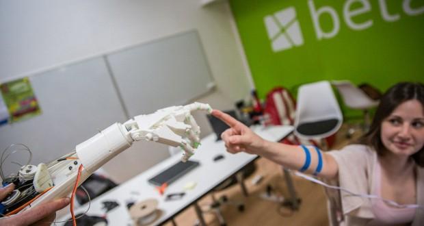 Betaplace Robotic Hand